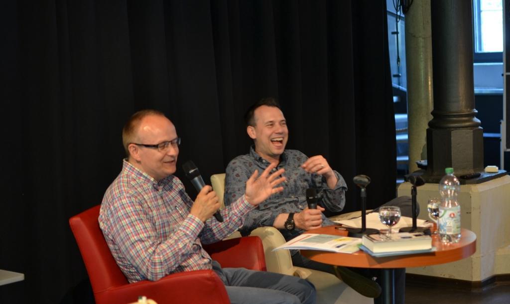 Sebastian Fitzek und Olaf Kutzmutz während des Seminars